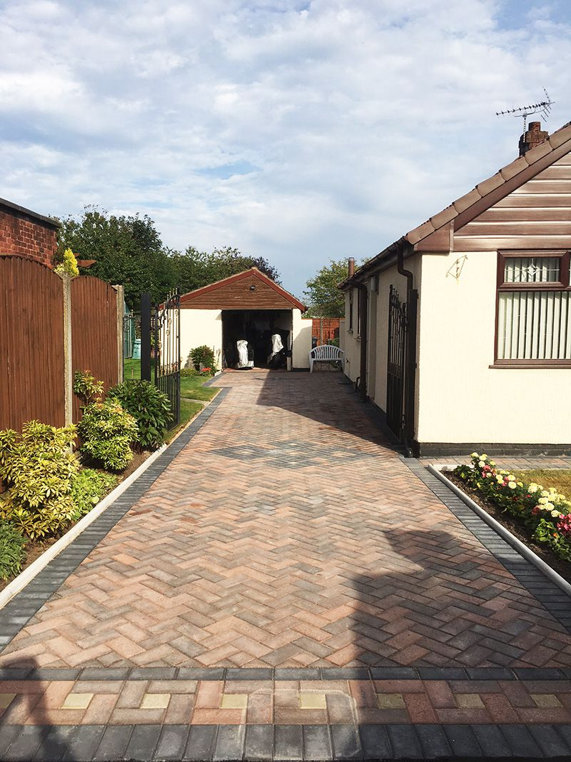 Rustic gold block paved drive Wigan