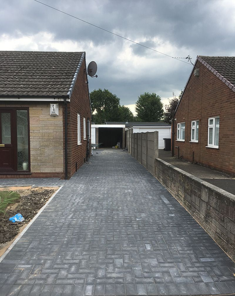 Charcoal paved driveway Warrington