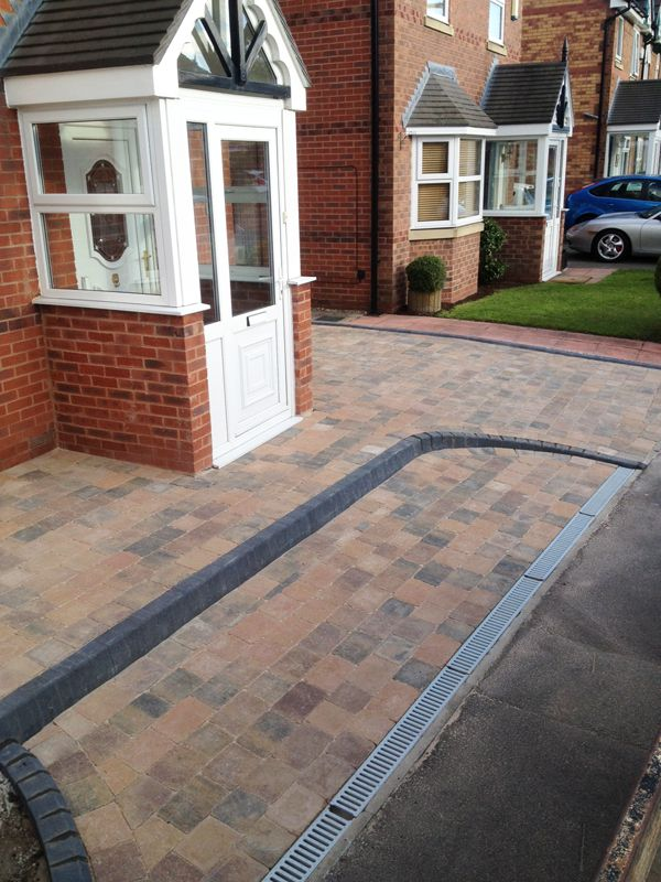 Sorento block paved with charcoal kl kerbs