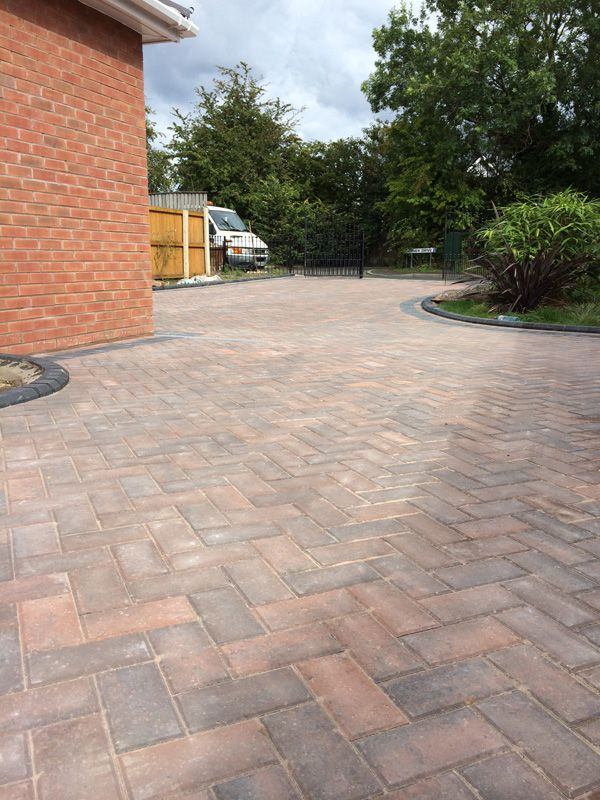 Rustic gold block paving