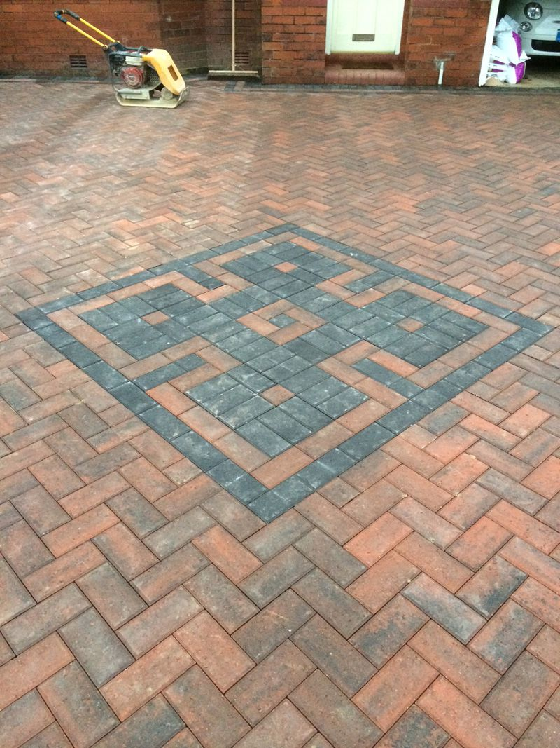Diamond on paving